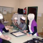 Kekse backen mit den Kindern der KMS